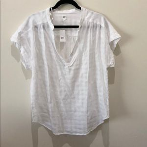 Gap V Neck top